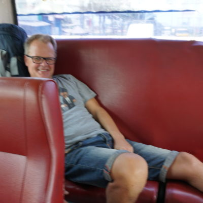 Die Busse sind nichts für Langbeiner