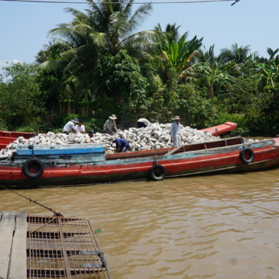 Arbeiten am Fluß