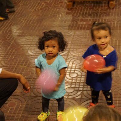 Beim Absacker gab es Luftballons für die ganz Kleinen. Super Idee Anne !