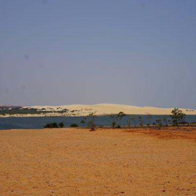 Auf dem Weg zu weissen Sanddüne
