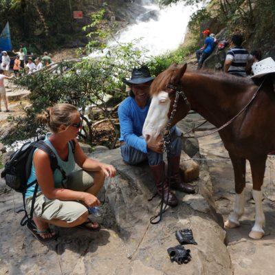 Kitsch am Wasserfall