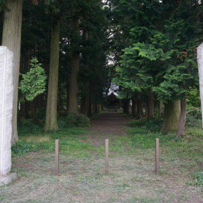 Eingang zum Wald / Tempel