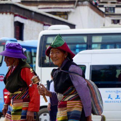 Pilger am Tashilhunpo Kloster