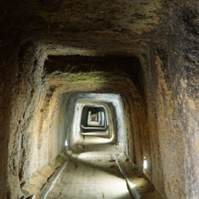 Unterirdischer Bunker der Japaner aus dem 2. Weltkrieg
