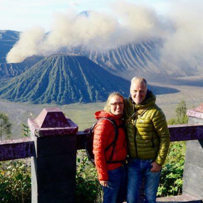 Hinter uns das Tal der Vulkane