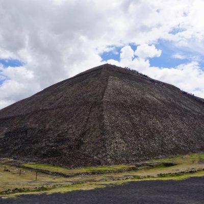 Die gigantische Sonnenpyramide