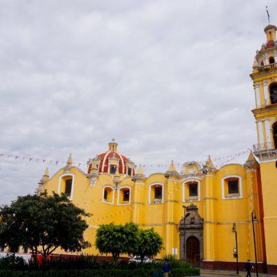 Die Iglesia de Nuestra Señora de los Remedios in Cholula. Erbaute auf der größten ( nicht höchsten ) Pyramide der Welt.
