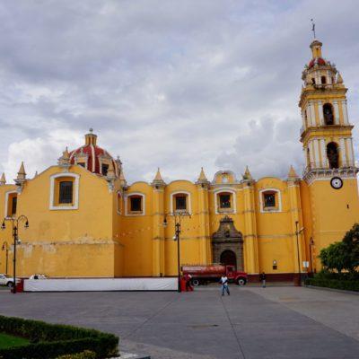 Eine von 38 Kirchen in dem kleinen Cholula.