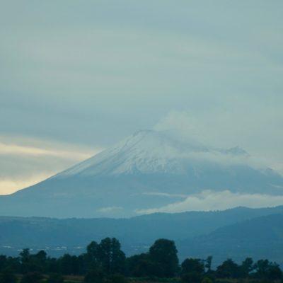Der Popocatépetl. Ist dem Fuji etwas ähnlich.