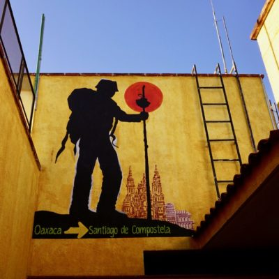 Grafitti im Hostel. Den Weg wollen wir ja auch noch einschlagen.