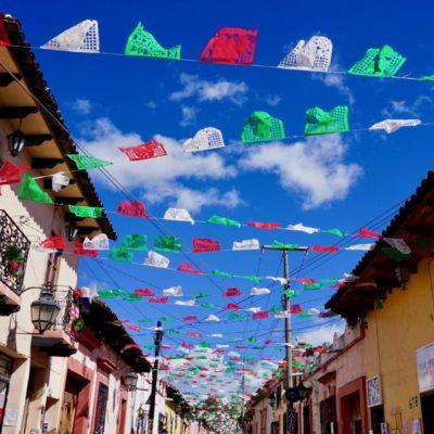 Einer der Einkaufsstrassen in San Cristobal