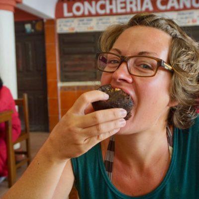Endlich mal Schokolade. Das macht glücklich.... Geht doch gar nicht glücklicher oder habe ich gerade mega rumgenervt ?