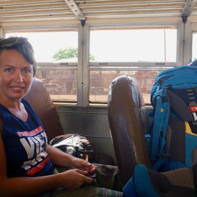 Im Bus nach Orange Walk