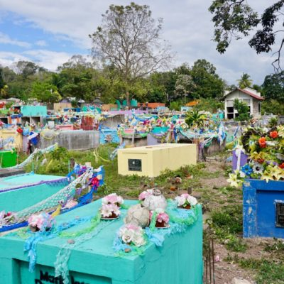 Schöner bunter Friedhof