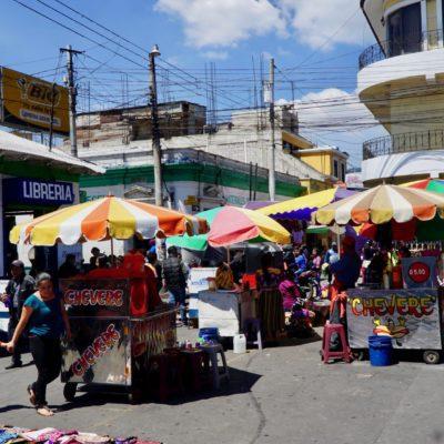 Toller Markt mit vielen kleinen Gassen