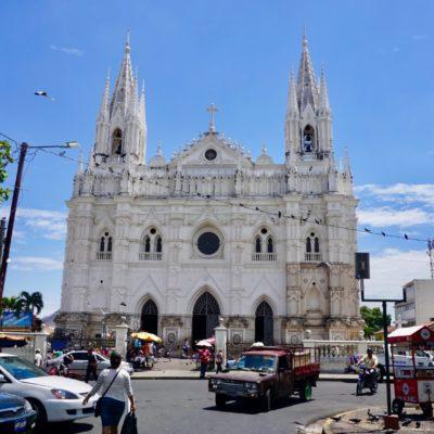 Ein hübschen 3 Hauptkirchen in Santa Ana