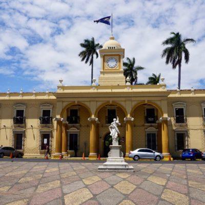 Schicke Kolonialgebäude in denen sich aber KEINE Touri Souvenirstände befinden