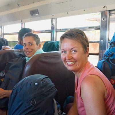 """Mal wieder eine """" lustige """" Busfahrt. Die ersten Kilometer durften wir samt der Rucksäcke stehen."""
