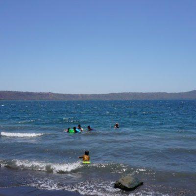 Die Lagune ( Durchmesser des Kraters 4 Kilometer )