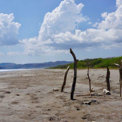 Nix los am Strand. Leider konnte man hier nicht wohnen. Oder auch gut so.