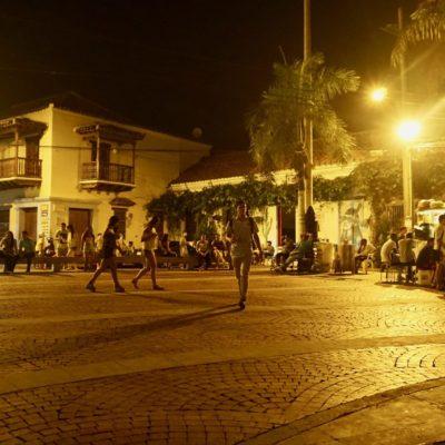 """Unser täglich Gang am Abend zum """" Plaza de la Trinidad """""""