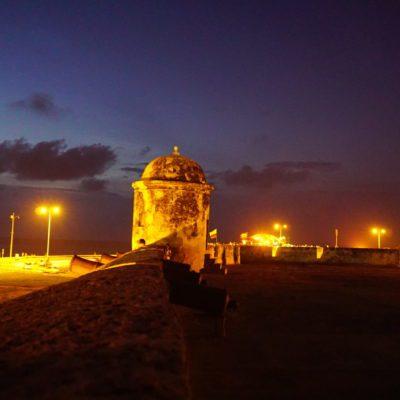 Auf der Stadtmauer am Abend. Schön luftig hier