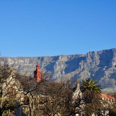 Der eerste Blick auf den Tafelberg und schonGlück gehabt. Keine Wolken....