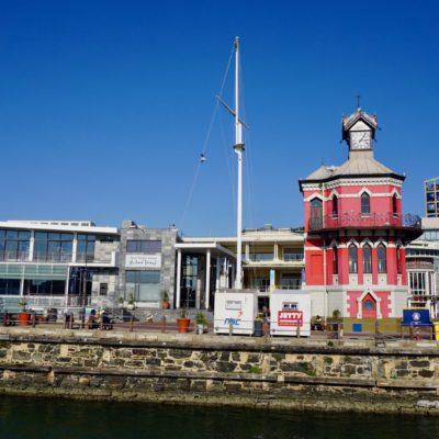 """"""" Waterfront """" Kapstadt. Hübsch gemacht ( davon könnte sich Hamburg ne Scheibe abschneiden ), aber Monster Touristisch."""