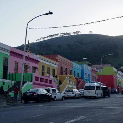 Unsere kleine Stadtbegehung, hier Bo-Kaap. Schöne bunte Häuser