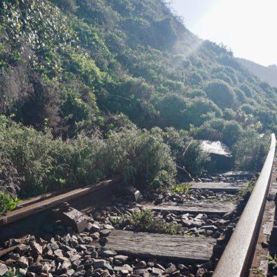 Schienen unterm Berg verschüttet