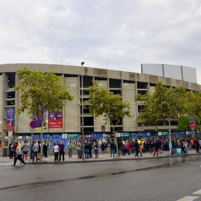 Camp Nou. Fassungsvermögen Knapp 98.000 Zuschauer
