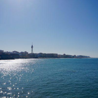 Cadiz schön am Wasser gelegen