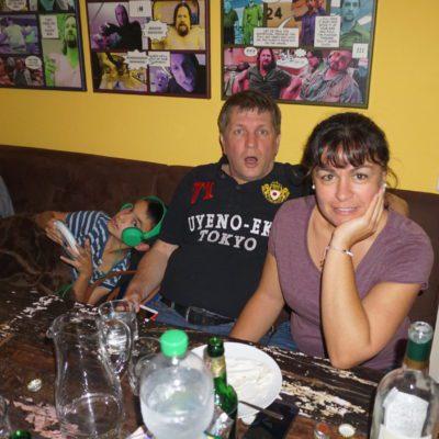 Ältere Schwester ( hat sich super gehakten ) mit Holger und Luca